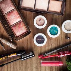 Produkte die ich für das gestern gezeigte #Makeup verendet hatte. Im Detail auf www.magi-mania.de Meiste leider feststellen dass der blaue #colourpopibiza nicht länger im Sortiment ist... #Beauty#Makeup#BBloggers#BBlogger#Magi#Eyeshadow#Lidschatten#EyeMakeup#Augen#colourpop#hourglass#limecrime#essence
