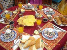 le super et délicieux petit déjeuner marocain - Photo de Sale ...