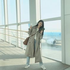 Find images and videos about fashion, style and outfit on We Heart It - the app to get lost in what you love. Korean Girl Fashion, Ulzzang Fashion, Ulzzang Girl, Lolita Fashion, Cute Asian Babies, Poses For Pictures, Asia Girl, Best Friend Goals, Korean Outfits