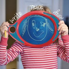 Boogie Board Play n Trace allows kids to express their creativity and provides them a tool to learn and develop communication skills. Ages 3 and up.