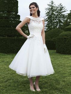 A-line Scoop Organza Tea-length Appliques Wedding Dresses at Dresseshop
