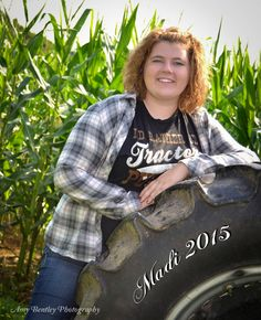 Senior Picture - Tractor - Country