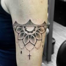 Resultado de imagem para tribal tattoo maori bracelete feminino