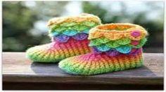 chausson crochet point crocodile - YouTube