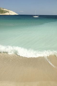 Playa de grecia                                                                                                                                                                                 Más