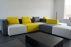 #Modu+ Spelen met je bank! Eindelijk een bank waar je niet aan vast zit...2 lichtgewicht elementen met verwisselbare hoezen en eindeloze mogelijkheden; van #bedbank tot sofa in enkele minuten zonder #gereedschap. - Meer informatie over #design #meubelen: http://www.wonenwonen.nl/design-meubelen/modu/8258