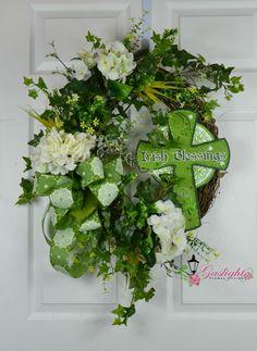 Beautiful St. Patrick's Day grapevine wreath for your Irish celebrations by Gaslight Floral Design.  GaslightFloralDesign.etsy.com