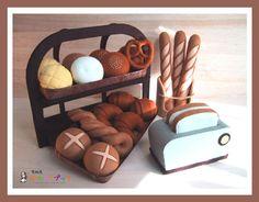 ままごとブック - フェルトままごとブック/パンやさんごっこ - 型紙屋 かわうそブック/自分で作るフェルト製おもちゃ!カラフルで立体的な玩具は、おままごと用におすすめです。