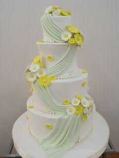 Kır Düğünü Pastası