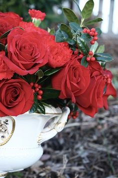 red winter wedding centerpieces ideas