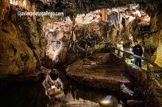 El lago a la entrada de la Sala de Pequeñas Maravillas. Cueva de Valporquero. León. Castilla y León. España. © Javier Prieto Gallego