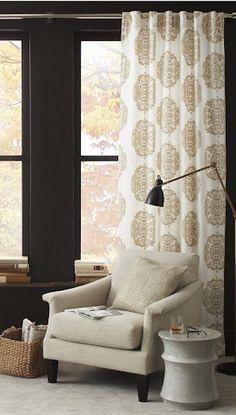 #gold medallion linen curtains http://rstyle.me/n/nzqkrr9te