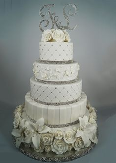 WEDDING CAKE AVAILABLE AT WWW.MYDREAMCAKE.COM.AU