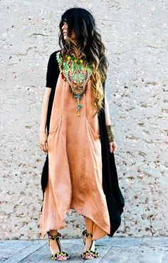 easy dress and great necklace.
