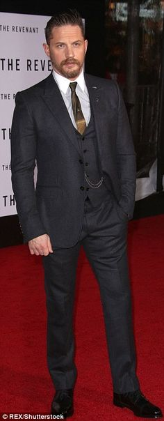 """Tom Hardy attends the premiere of """"The Revenant"""" at the TCL Chinese Theatre on December 16, 2015 in Hollywood, California."""