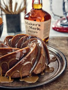 Imagine if a Maker's Mark cocktail could be transformed into a dessert. Our Maker's Old Fashioned Bundt Cake recipe does just that. Bourbon Cake, Bourbon Pecan Pie, Easy Brunch Recipes, Dessert Recipes, Budget Recipes, Food Cakes, Cupcake Cakes, Cupcakes, Everything Bundt Cakes