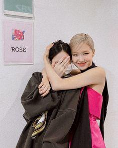 Yg Entertainment, South Korean Girls, Korean Girl Groups, Blackpink Photos, Couple Photos, Pictures, Foto Rose, Lisa Blackpink Wallpaper, Rose Park