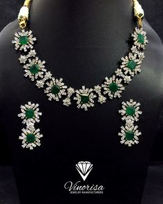 real diamond necklace that look eye-catching Real Diamond Necklace, Emerald Necklace, Emerald Jewelry, Diamond Bangle, Diamond Pendant Necklace, Diamond Jewelry, Gold Jewelry, Diamond Choker, Diamond Mangalsutra