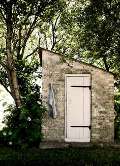 Garden shed? Love this stone!!!!