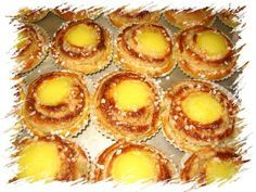 Vanilija viinerit Finnish Recipes, Creme Brulee, Baking Recipes, Biscuits, Deserts, Good Food, Food And Drink, Sweets, Cooking