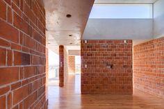 AMBROSI | ETCHEGARAY, Rafael Gamo Fassi · EM House · Divisare