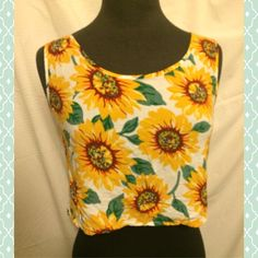 Vintage 90s Sunflower Crop Top Sleeveless vintage sunflower crop top. Thin lightweight material, no stretch. No tag but fits like a small. Tops Crop Tops