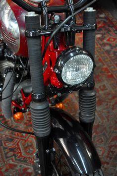"KAWASAKI W650 ""GENTLE TRACKER"" by BLITZ MOTORCYCLES"