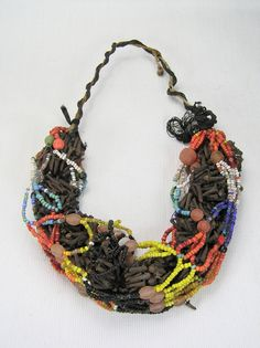 An example of a complete clove and mesh necklace | berber silver