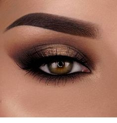 Evening Makeup Looks For Green Eyes Creative Ways To Add A Pop Of Color To Your Makeup Pampadour. Evening Makeup Looks For Green Eyes 14 Amazing Glittery Eye Makeup Looks Pretty Designs. Evening Makeup Looks For Green Eyes Green Gold… Continue Reading → Pretty Eye Makeup, Beautiful Eye Makeup, Gorgeous Eyes, Flawless Makeup, Pretty Eyes, Neutral Eye Makeup, Neutral Eyes, Smoked Eyes, Braut Make-up