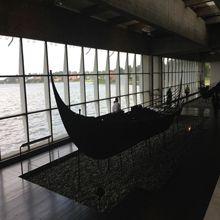 Museu na Dinamarca remonta embarcações vikings do século XI.