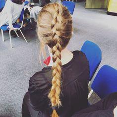 Dutch braid  #blonde #hair #dutchbraid #easy #beautiful #longhair #long