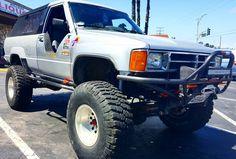 Toyota 4x4, Toyota Trucks, Toyota 4runner, Lifted Trucks, 1st Gen 4runner, Dodge Cummins, Truck Accessories, Fan Girl, Chilling