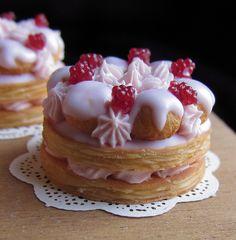 raspberry cake by goddess of chocolate, via Flickr