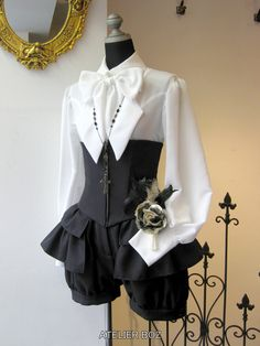 Old Fashion Dresses, Fashion Outfits, Cute Dresses, Vintage Dresses, Victorian Fashion, Vintage Fashion, Dress Outfits, Cool Outfits, Kleidung Design