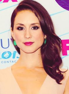 Troian Bellisario... my favorite actress on PLL. she's so gorgeous!
