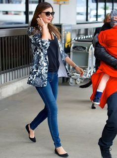 miranda-kerr-saglio-street-style-blazer-estampado-how-to-steal-the-look
