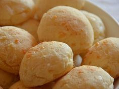 This bread is known as Pão de Queijo in Brazil, its magic lies in the dough and has incorporated Manchego and Parmesan cheese. Bolivian Food, Brazilian Cheese Bread, Bread Recipes, Cooking Recipes, Pan Bread, Sin Gluten, Diy Food, Cheesecake, Brunch