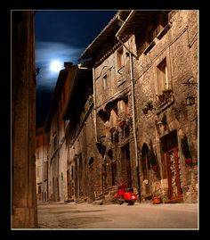Assisi at Night - Italy     My favorite place in Italy