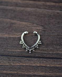 anneau de septum faux faux anneau de nez faux anneau par cayjewelry