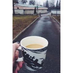 #throwback #morningcoffee #takeawaycoffee #instafood #itähelsinki #kesääkohti #rainyday #like4like #helsinki #selfie #coffee #love #instadaily #iphoneonly #iphoneography #nature #finland #instagramhub by pinjaeh