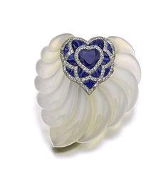 Suzanne Belperron Chalcedony sapphire and diamond brooch (estimate: CHF 22,000 - 28,000/$24,920 - 31,716).