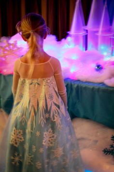 View of the finished ice castle. The birthday girl was so surprised how to have Elsa's castle as the centerpiece. Disney Frozen Party, Frozen Birthday Party, 3rd Birthday Parties, Girl Birthday, Birthday Board, Birthday Ideas, Elsa Castle, Ice Castles, Childrens Party