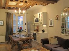 Paris Arrondissement 3 Vacation Rental - VRBO 444939 - 2 BR Paris Apartment in France, Le Coeur De La Cour - as Featured on House Hunters In...
