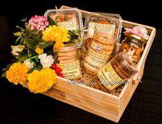 Diwali Gift Box, Diwali Gift Hampers, Diwali Gifts, Indian Wedding Gifts, Creative Wedding Gifts, Diwali Snacks, Diwali Food, Diy Gift Box, Gift Boxes