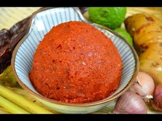 How to Make Thai Red Curry Paste น้ำพริกแกงเผ็ด - YouTube