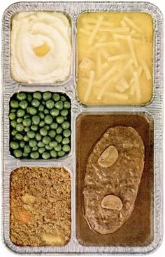 TV dinner - doesn't it look delicious? Actually the turkey dinner was always the best! Retro Recipes, Vintage Recipes, Retro Ads, Retro Food, Vintage Food, Vintage Tv, Vintage Menu, Vintage Stuff, Salisbury Steak