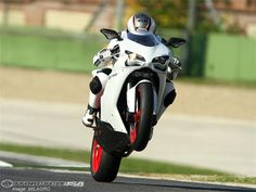 That front wheel just doesn't want to stay down! 848 <3