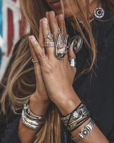 Bohemian jewellery often known as boho jewellery has become a very popular type of ornament. Boho jewellery are available in different types. The best part about boho jewelry is that…View Post Flash Tattoos, Boho Gypsy, Hippie Boho, Bohemian Beach, Modern Bohemian, Estilo Hippie Chic, Look Boho, Boho Style, Bohemian Style Clothing