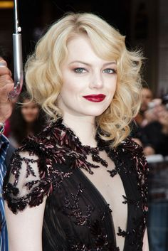 Gorgeous holiday-esque look by Emma Stone