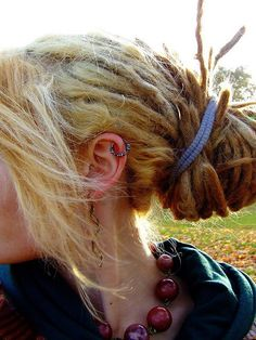 #dreads, I think mine are going to end up like this: wispy and loose, because of all my fine hair...